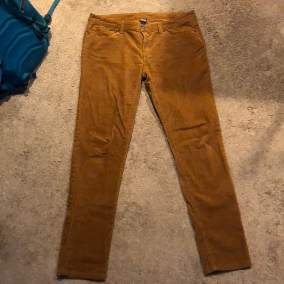 8e3519aae59b M 5b849905fb380341523bf2c9. Other Pants you may like. NWT Patagonia  Centered Crop Abstract Jungle ...